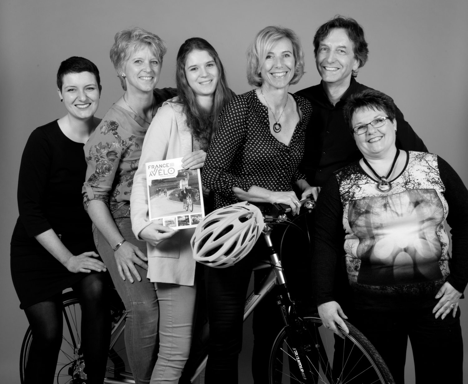 Photo of the team of France à Vélo
