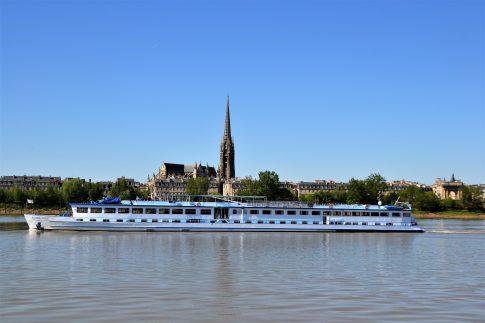 Blick auf das Schiff MS Bordeaux