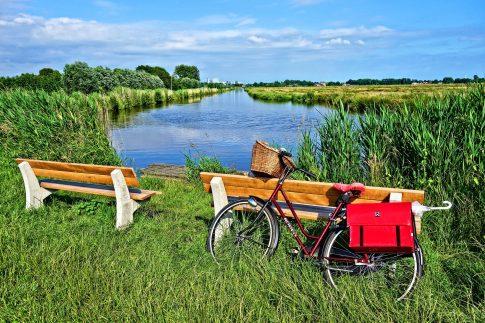 Radfahren in der Natur Hollands
